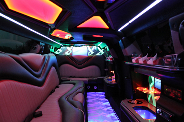 8 Person Chrysler 300 Limo Rental Huntington Beach