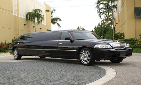 Huntington Beach 8 Passenger Limo